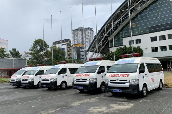 17 giờ chạy xuyên đêm, 5 xe cấp cứu của Đà Nẵng chi viện TPHCM chống dịch - 2