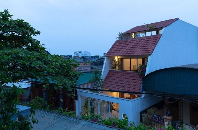 Nhà mái trượt tạo không gian sống xanh, giữ ký ức của gia chủ Nghệ An - 1