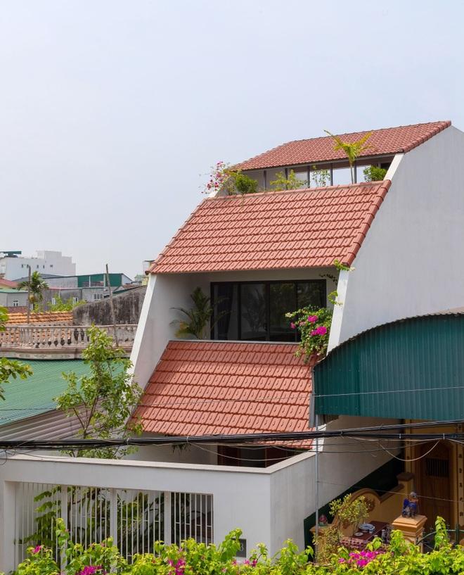 Nhà mái trượt tạo không gian sống xanh, giữ ký ức của gia chủ Nghệ An - 2