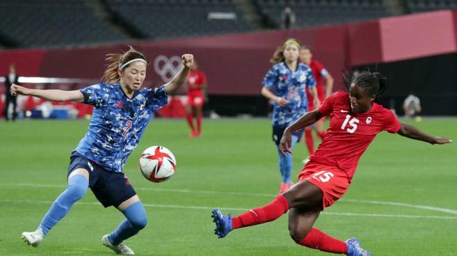 Đội tuyển nữ Mỹ thua sốc Thụy Điển, chủ nhà Nhật Bản bị cầm hòa tại Olympic - 1