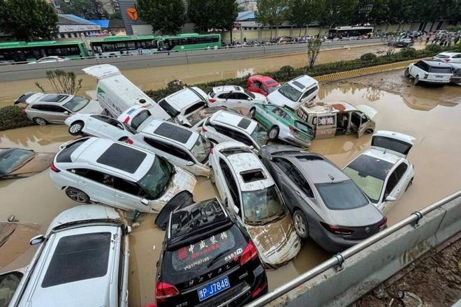Ông Tập Cận Bình kêu gọi dốc toàn lực đối phó mưa lũ nghìn năm có một - 2