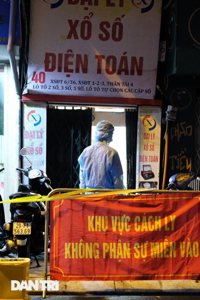 Hà Nội: Xuyên đêm phong tỏa, xét nghiệm hơn 100 người ở Thụy Khuê - 3