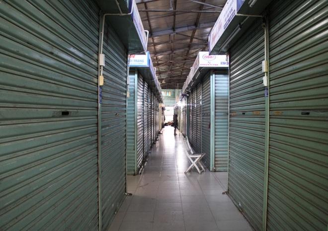 Đà Nẵng: Phố phường vắng lặng, siêu thị đầy ắp nhu yếu phẩm - 4