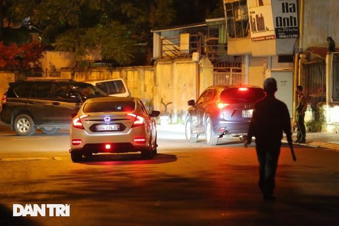 Hà Nội: Xuyên đêm phong tỏa, xét nghiệm hơn 100 người ở Thụy Khuê - 8