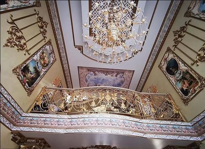 Choáng ngợp cung điện dát vàng của trùm cảnh sát mafia Nga - 2
