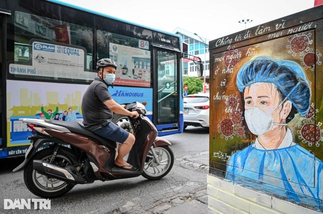 Bí thư Hà Nội: Nâng cấp độ phòng dịch, chuẩn bị 20.000 giường bệnh - 2