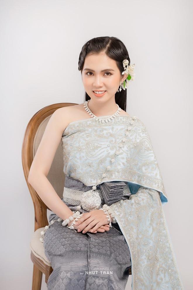 hot-girl-dong-thap-hoa-thieu-nu-thon-que-khoe-net-dep-trong-treo-ben-trang-phuc-truyen-thong1docx-1626967112175.jpeg