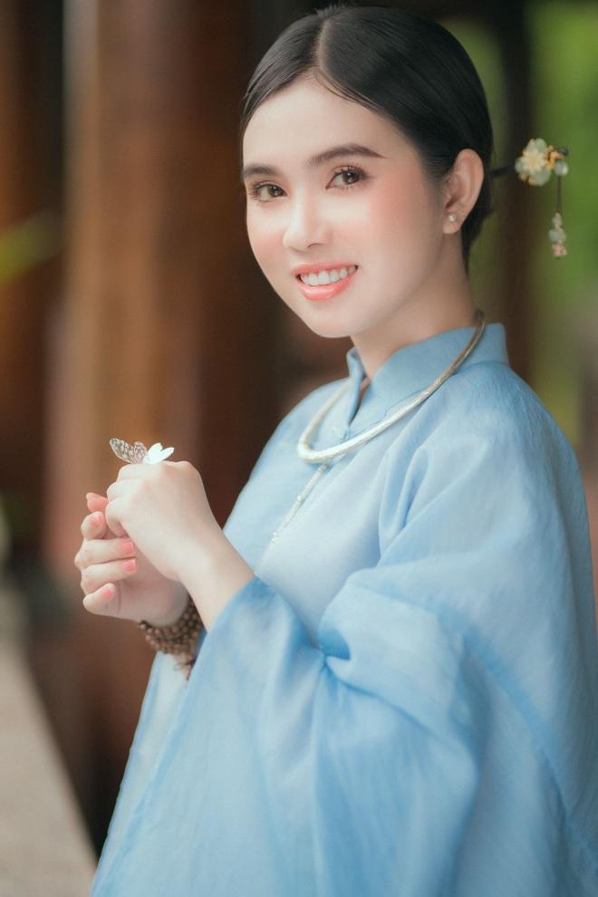 hot-girl-dong-thap-hoa-thieu-nu-thon-que-khoe-net-dep-trong-treo-ben-trang-phuc-truyen-thong1docx-1626967112416.jpeg