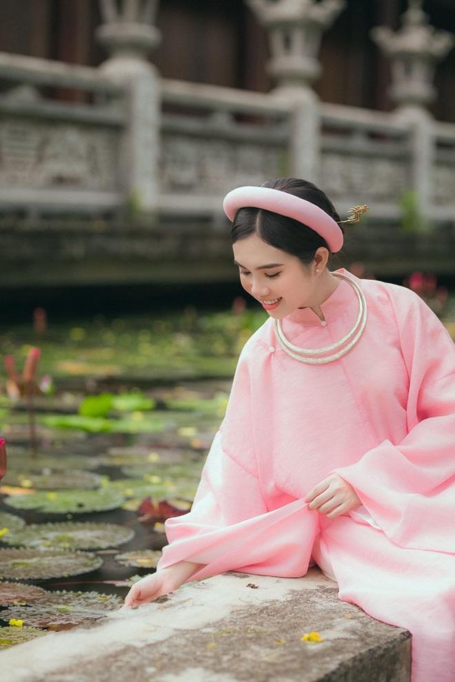 hot-girl-dong-thap-hoa-thieu-nu-thon-que-khoe-net-dep-trong-treo-ben-trang-phuc-truyen-thong1docx-1626967112742.jpeg