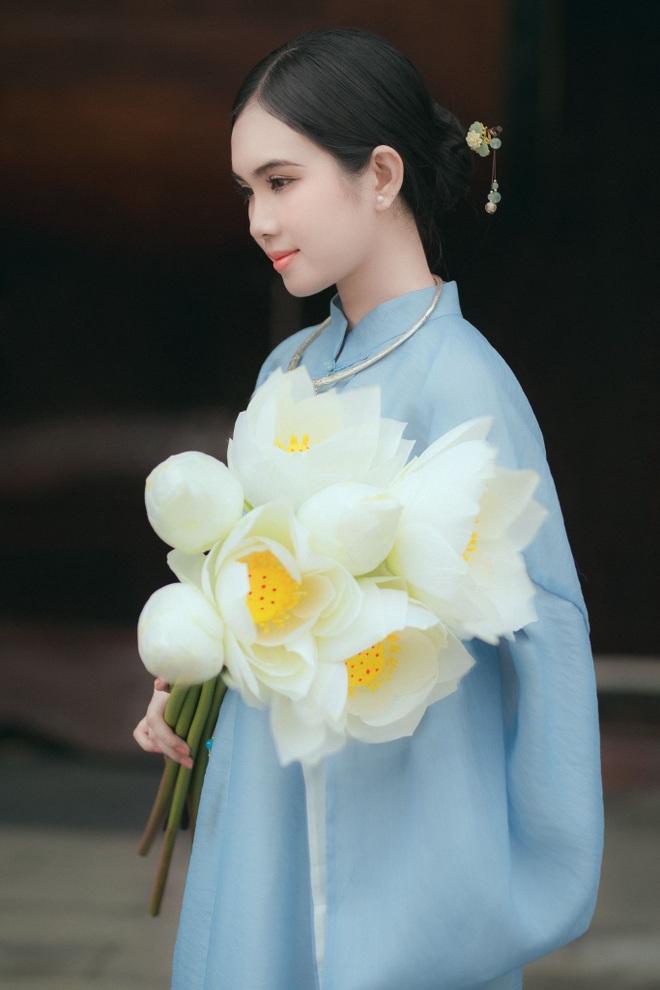 hot-girl-dong-thap-hoa-thieu-nu-thon-que-khoe-net-dep-trong-treo-ben-trang-phuc-truyen-thong1docx-1626967112874.jpeg