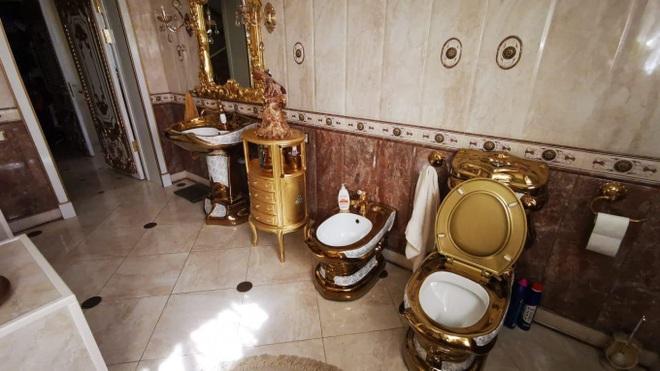 Choáng ngợp cung điện dát vàng của trùm cảnh sát mafia Nga - 4