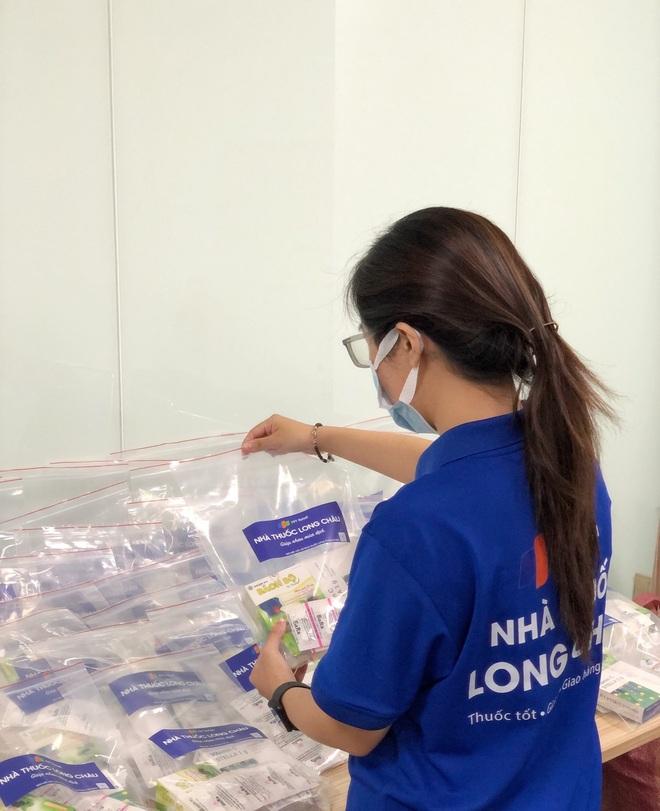 Nhà thuốc FPT Long Châu đồng hành cùng cộng đồng trong đại dịch Covid-19 - 1