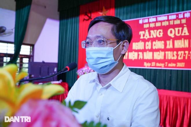 Báo Dân trí tặng quà tri ân 50 gia đình tại xã có 16 Mẹ Việt Nam anh hùng - 1