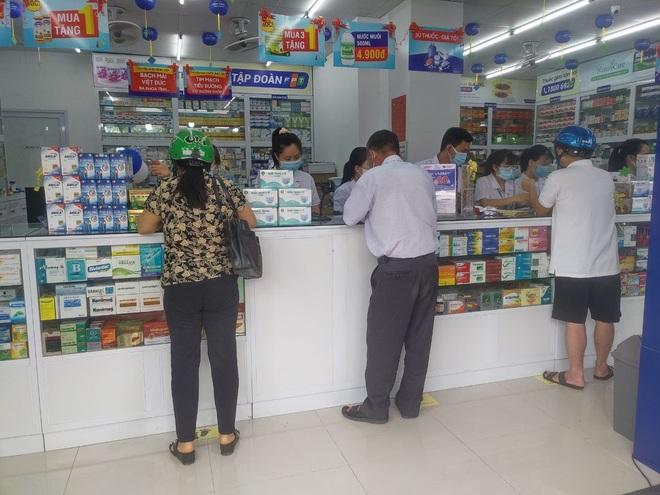 Nhà thuốc FPT Long Châu đồng hành cùng cộng đồng trong đại dịch Covid-19 - 3