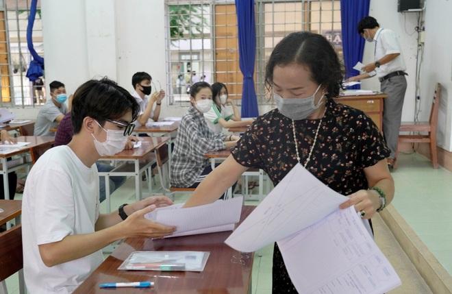Nhiều tỉnh gửi thí sinh đến các tỉnh khác dự thi tốt nghiệp THPT đợt 2 - 3