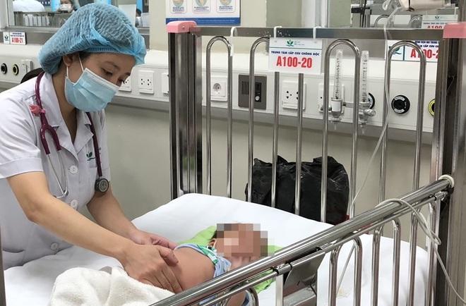 Hà Nội: Bé 11 tháng tuổi đuối nước ngay tại bể bơi phao ở nhà - 1