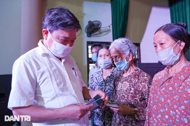 Báo Dân trí tặng quà tri ân 50 gia đình tại xã có 16 Mẹ Việt Nam anh hùng - 8