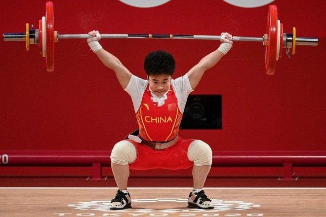 Vận động viên Trung Quốc gây kinh ngạc khi phá 3 kỷ lục Olympic - 1