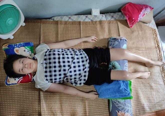 Cô gái dân tộc Tày nằm liệt, vượt số phận bán thú len kiếm tiền chữa bệnh - 7