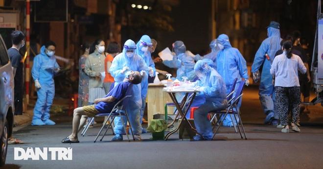 Tối 30/7: 3.657 ca Covid-19, hơn 3.700 bệnh nhân được ra viện - 1