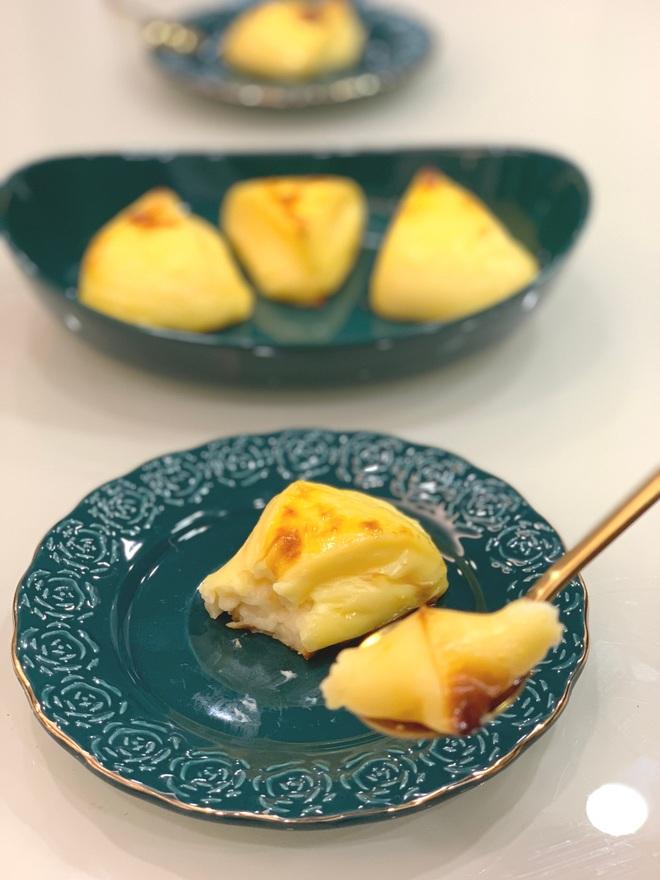 Vào bếp ngày giãn cách: Bánh trứng nướng ngon quên lối về - 2