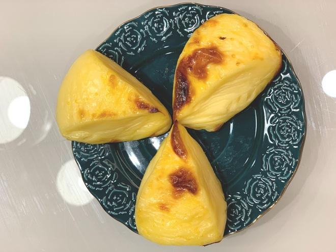 Vào bếp ngày giãn cách: Bánh trứng nướng ngon quên lối về - 1
