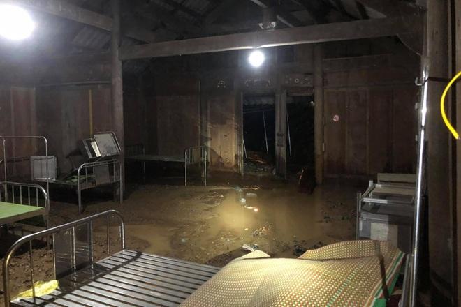 Mưa lớn suốt 24 giờ gây ngập lụt ở huyện cao nhất Nghệ An - 3