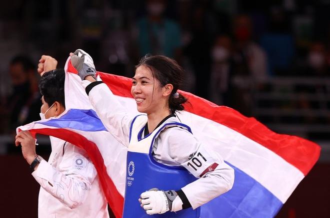 Nữ võ sĩ tài sắc vẹn toàn giúp Thái Lan có HCV đầu tiên ở Olympic 2020 - 2