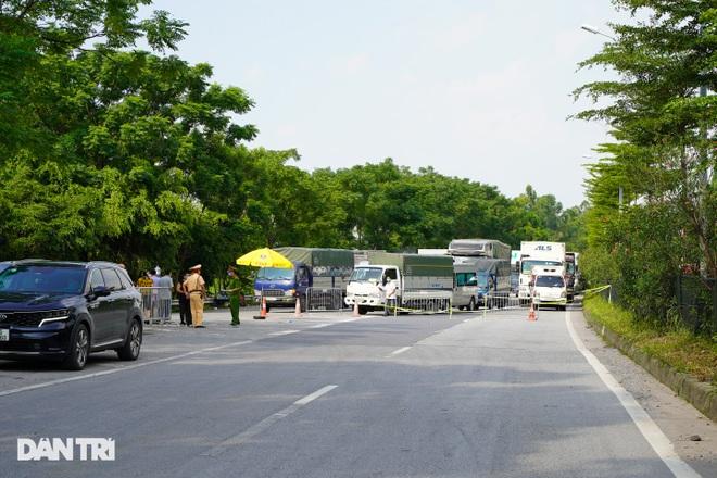 Cửa ngõ Thủ đô ùn tắc kéo dài, hàng nghìn phương tiện buộc phải quay đầu - 8