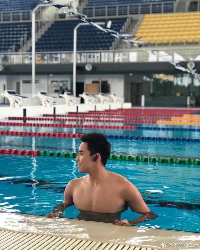 Nam thần bơi lội người Malaysia khiến cộng đồng mạng Trung Quốc chao đảo - 7