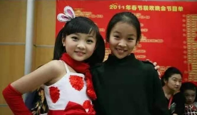 Bé gái thả diều Olympic: Dù vô danh, vẫn mãi ghi nhớ khoảnh khắc đẹp nhất - 2