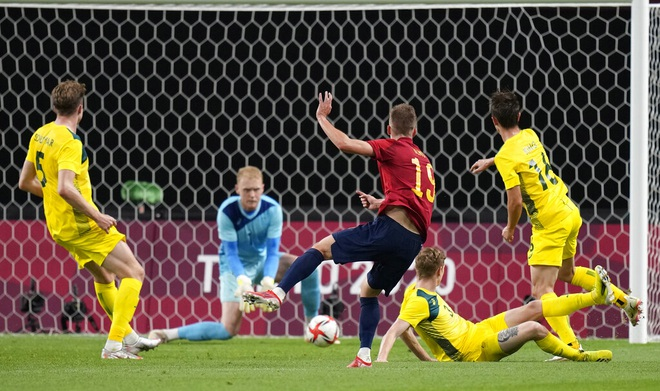 Dàn sao Tây Ban Nha nhọc nhằn đánh bại Olympic Australia - 3