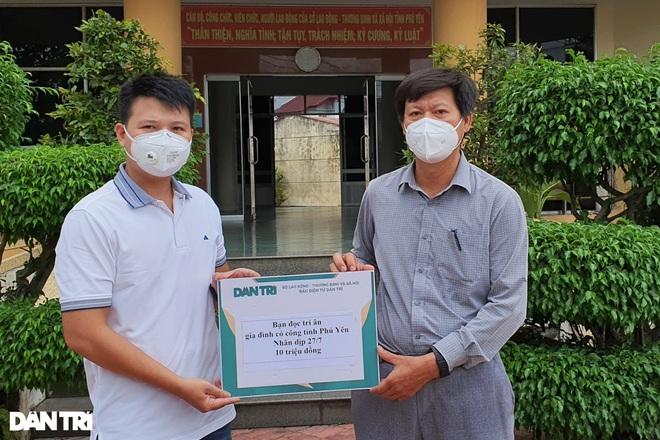 Trao tặng 50 triệu đồng gia đình có công ở miền Trung - Tây Nguyên - 6