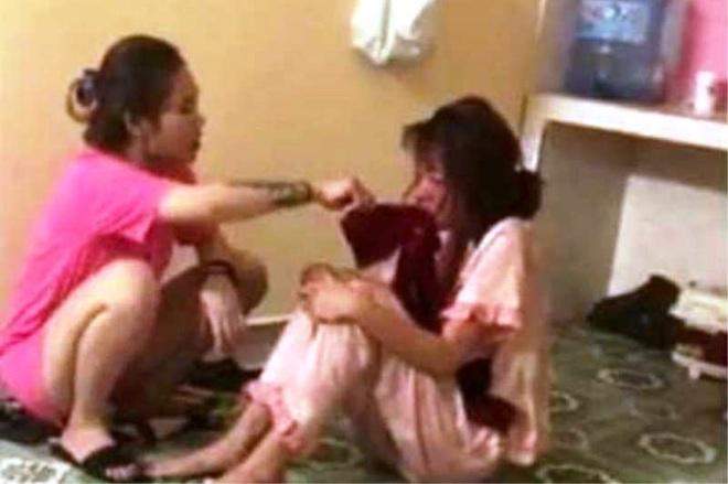 Điều tra việc thiếu nữ bị nhóm người lột đồ, đánh đập - 1