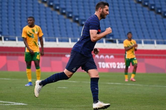 Olympic Pháp ngược dòng điên rồ trong trận đấu 7 bàn thắng - 2
