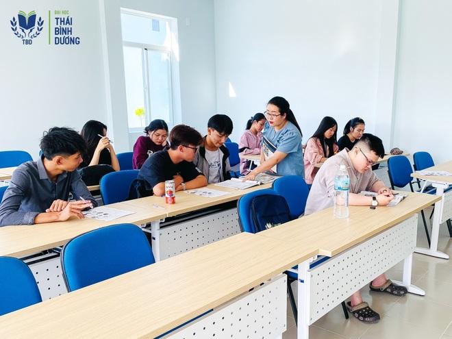 Ngôn ngữ Anh - học một ngành biết nhiều nghề - 2