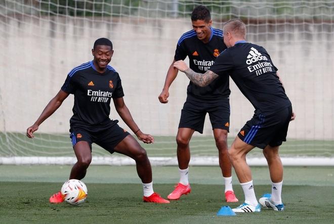 Man Utd đạt thỏa thuận chiêu mộ Raphael Varane - 2
