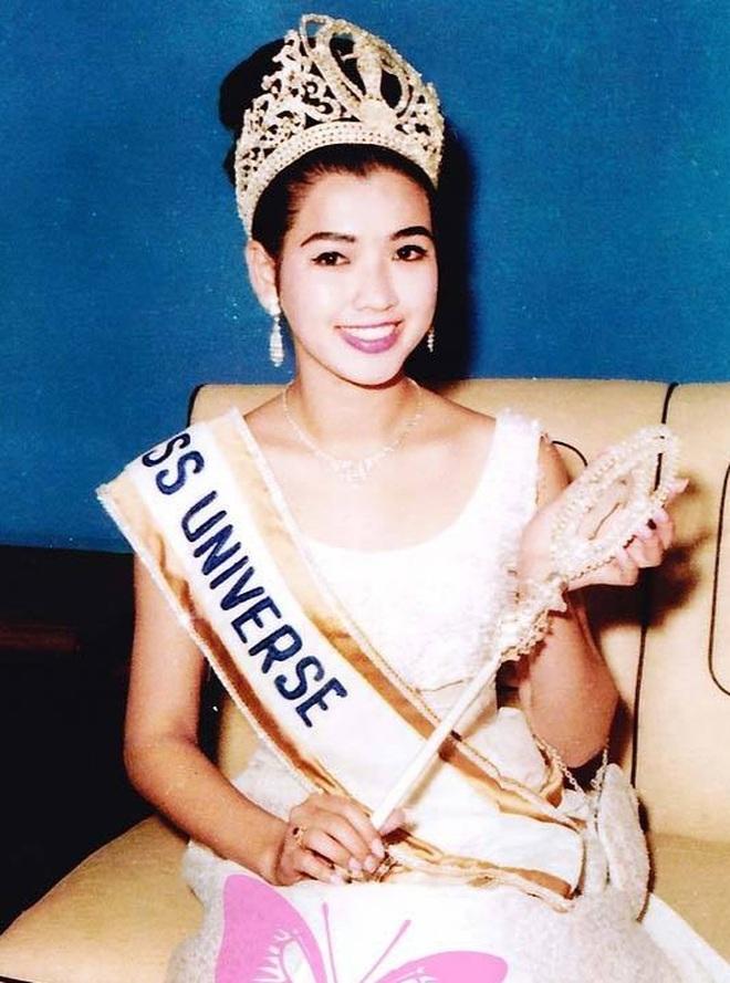Nhan sắc không tuổi đáng kinh ngạc của cựu hoa hậu Hoàn vũ đã là U80 - 4