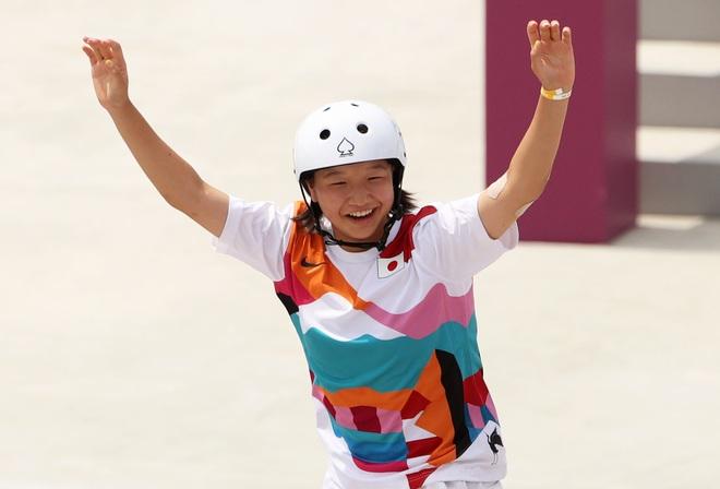 Bé gái 13 tuổi xuất sắc giành huy chương vàng, làm nên lịch sử ở Olympic - 1