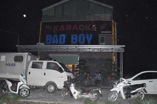 Bất chấp lệnh cấm, hơn 40 nam nữ vẫn mở tiệc ma túy trong quán karaoke - 1