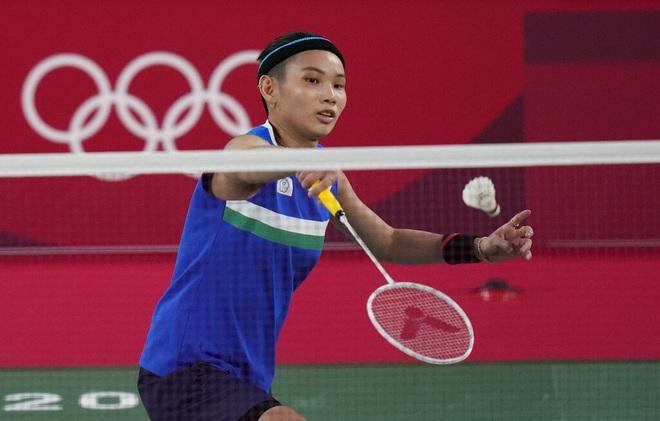 Thùy Linh thi đấu kiên cường trong trận thua tay vợt số một thế giới - 4