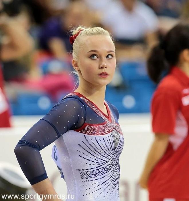 Angelina Melnikova - Búp bê Nga xinh đẹp của Olympic Tokyo - 2