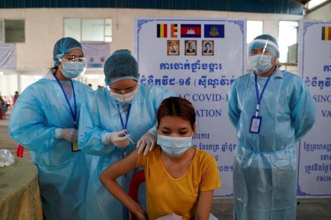 Campuchia vật lộn với làn sóng lây nhiễm Alpha, cảnh báo về chủng Delta - 1