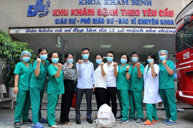 Các bác sĩ Hà Nội xuất quân chi viện TPHCM chống dịch Covid-19 - 1