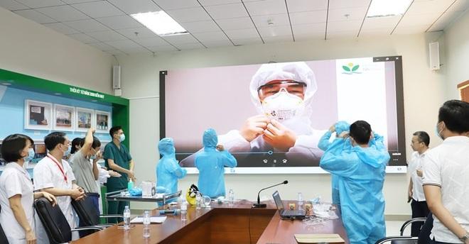 Các bác sĩ Hà Nội xuất quân chi viện TPHCM chống dịch Covid-19 - 3