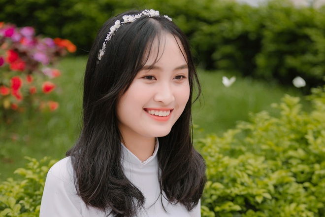Nữ thủ khoa khối D xinh đẹp xứ Nghệ bất ngờ với điểm thi môn Văn - 3