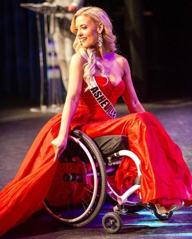 Cô gái ngồi xe lăn giành giải Á hậu và câu chuyện xúc động ẩn chứa sau đó - 2
