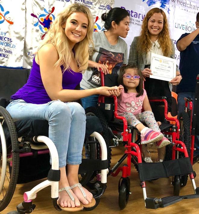 Cô gái ngồi xe lăn giành giải Á hậu và câu chuyện xúc động ẩn chứa sau đó - 12