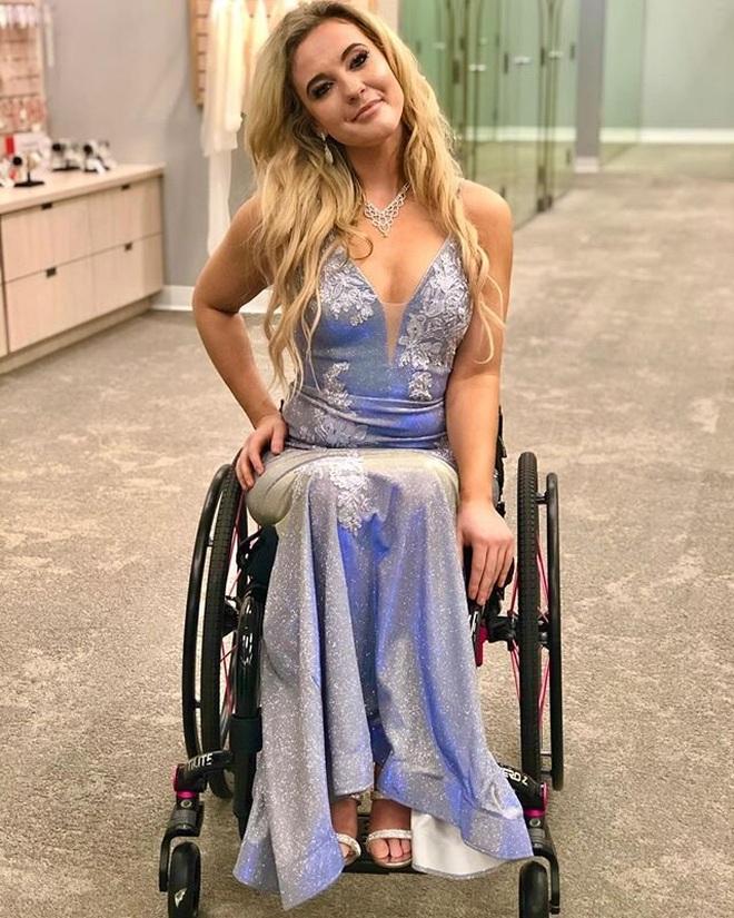 Cô gái ngồi xe lăn giành giải Á hậu và câu chuyện xúc động ẩn chứa sau đó - 11