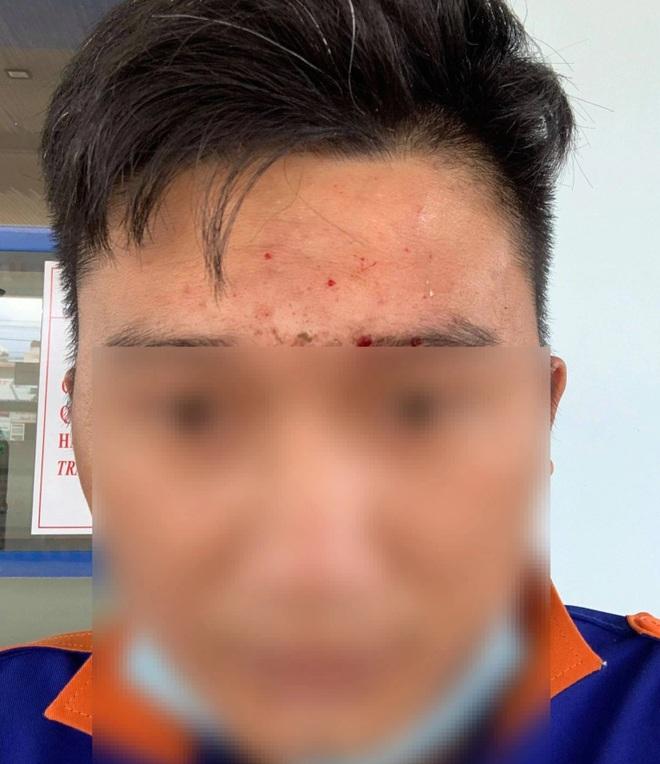Nguyên Phó Chủ tịch huyện bị tố ném sầu riêng vào mặt nhân viên cây xăng - 2
